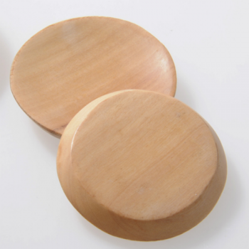 Small wooden plates, set of 2